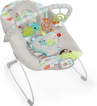 Lleno de características para relajar al bebé, incluidas melodías, una barra de juguetes y una vibra