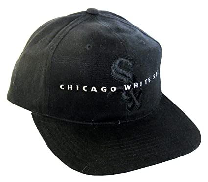 fc80e479f5 American Needle Men s Vintage Snapback Cap Chicago White Sox Adjustable  22.44 Inch - 24.61 Inch Black at Amazon Men s Clothing store  Baseball Caps