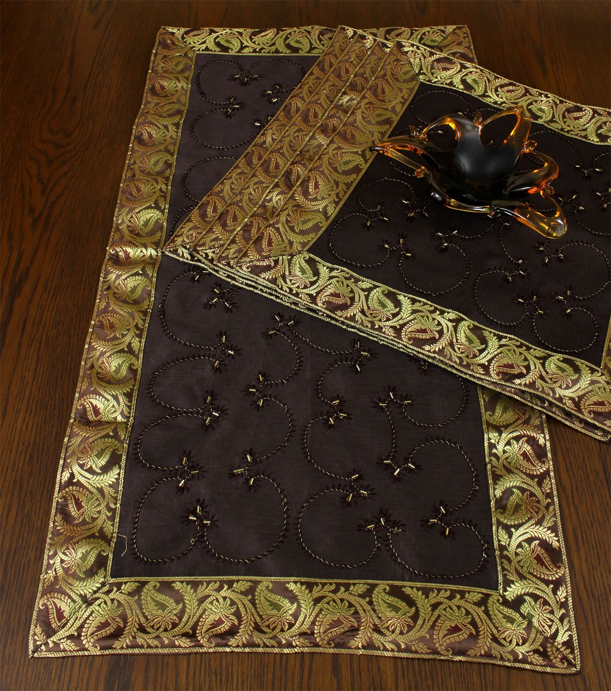Christmas Tablescape Décor - Hand embroidered coffee brown placemats - Set of 5