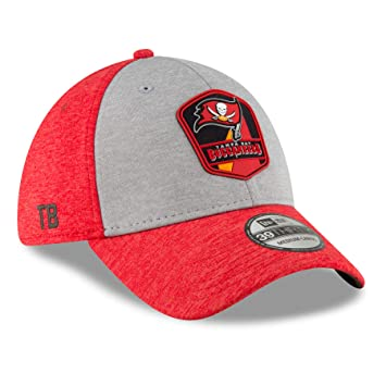 timeless design 006f9 47395 New Era Tampa Bay Buccaneers On Field Sideline 18 Road 3930 39thirty Cap  Curved Visor S M