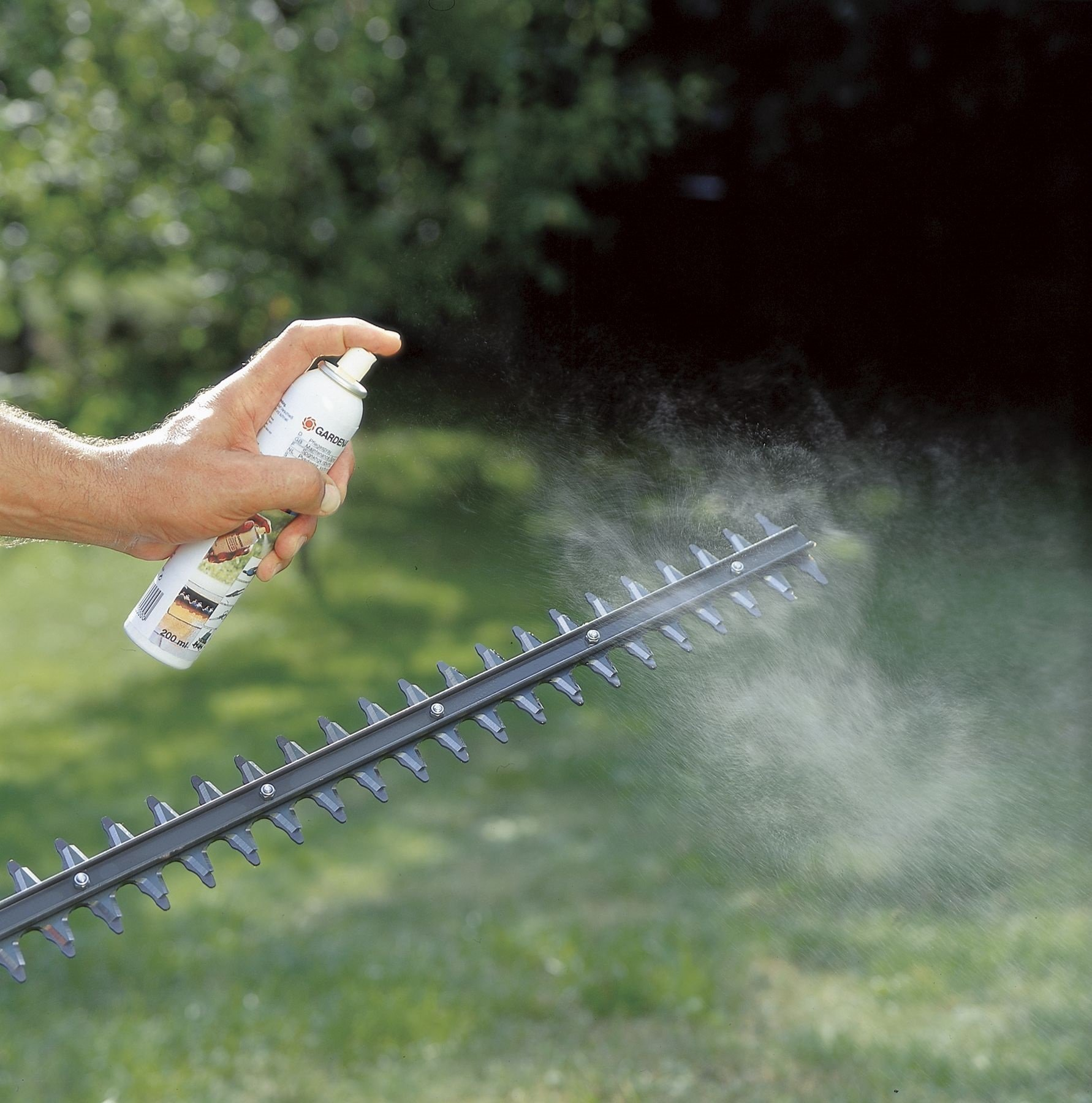 Gardena 2366-U Garden Tool Cleaning Spray, 7-Ounce