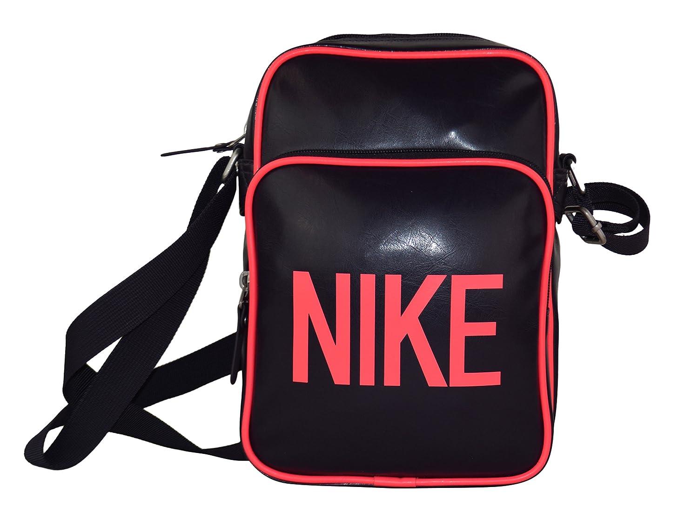 e4e14e58933f Amazon.com   Nike Men and women Sports Sachet Bag S Black   Sports    Outdoors