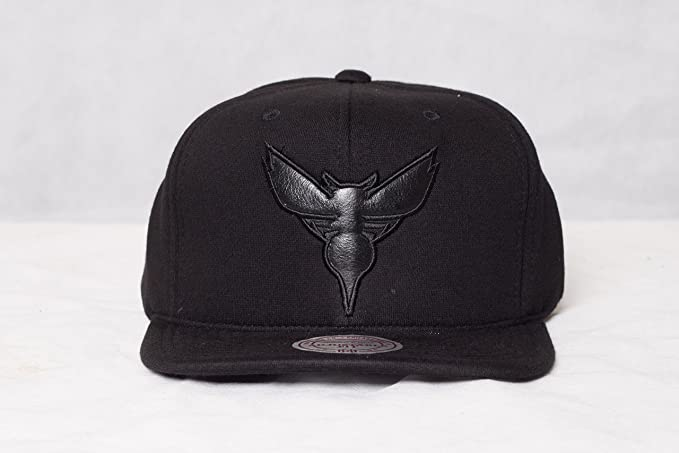 deb34394ae2 Image Unavailable. Image not available for. Colour  Mitchell   Ness  Charlotte Hornets ...
