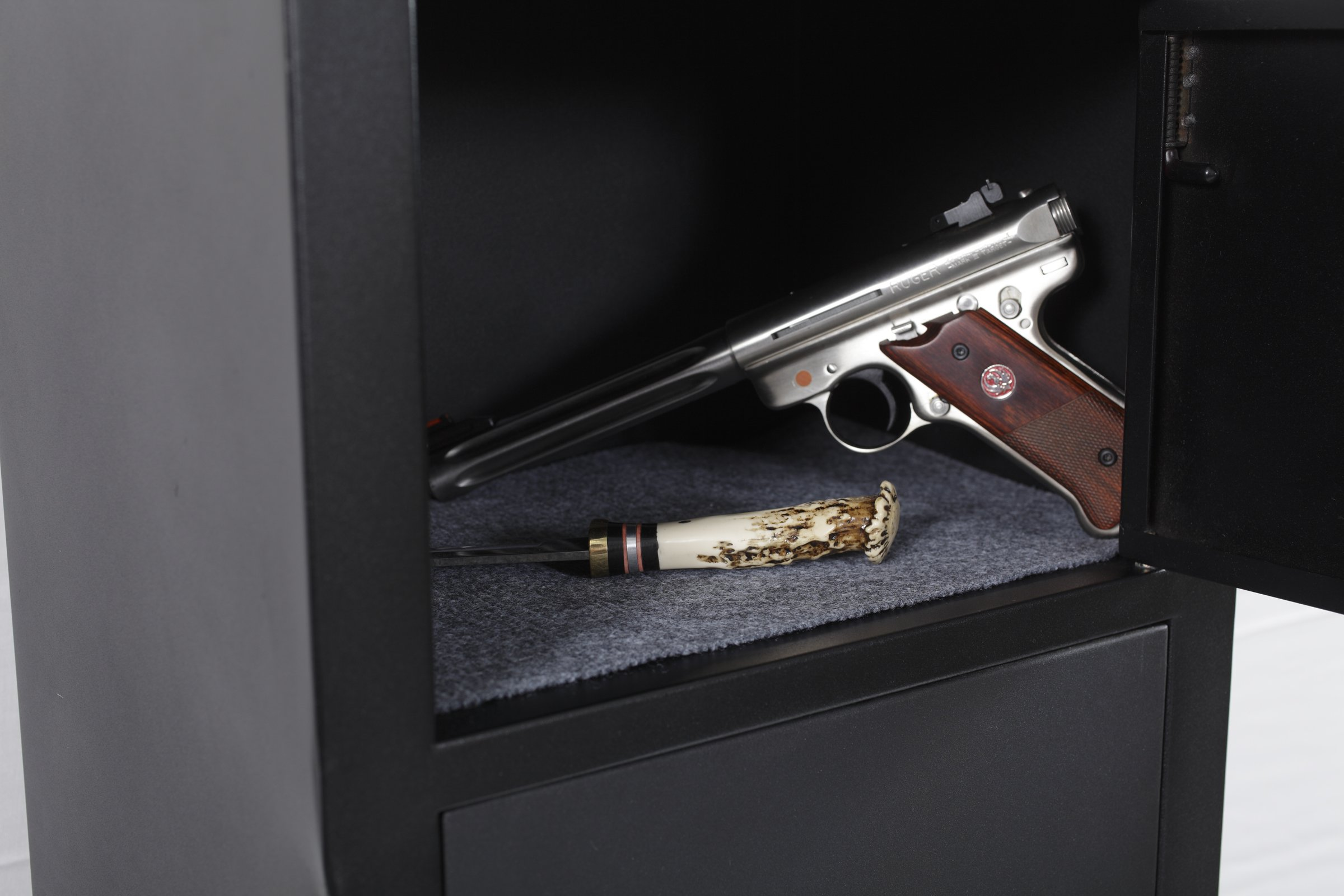 American Furniture Classics 906 Five Gun Metal Storage Cabinet With Separate Pistol Compartment by American Furniture Classics (Image #3)