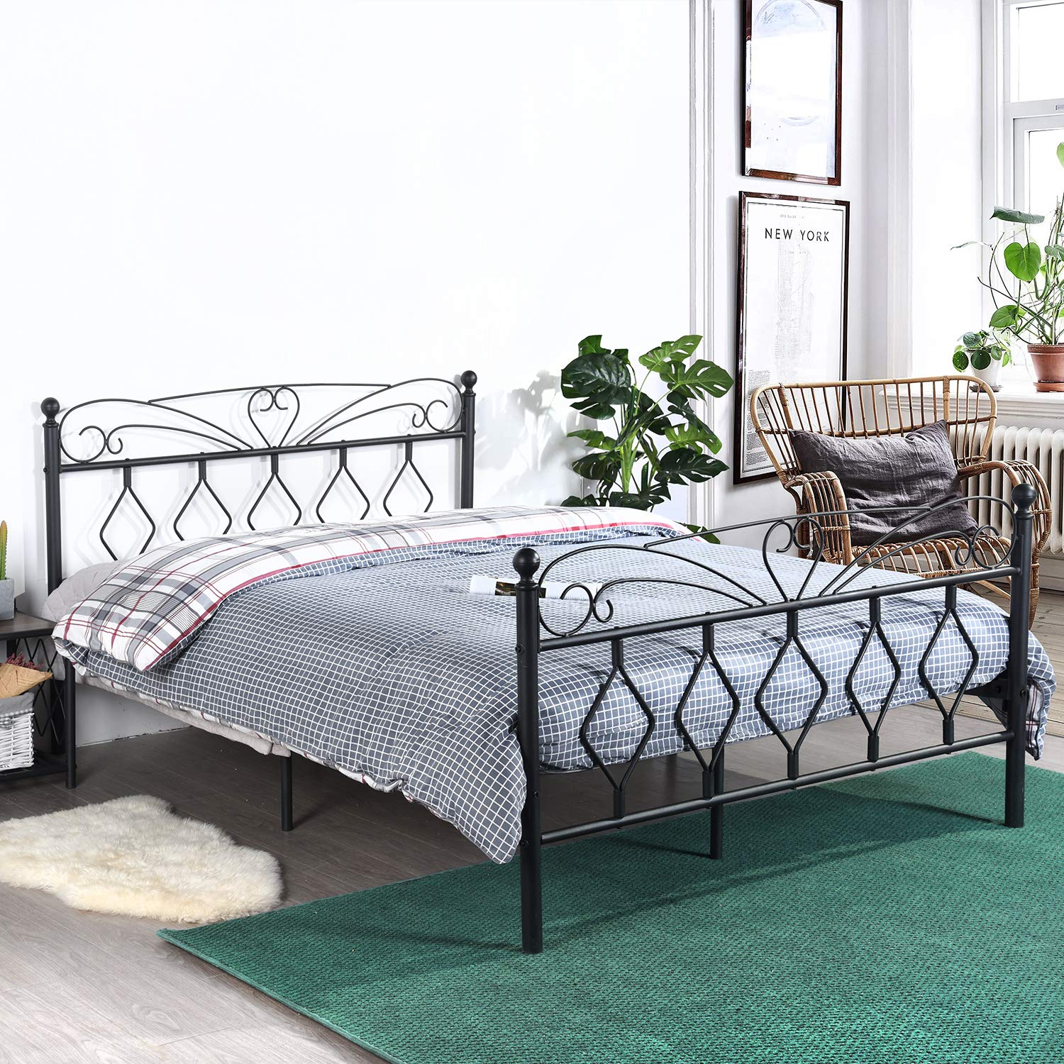 EGGREE Queen Size Platform Bed Frame Metal Bed Frame with Victorian Style Headboard and Footboard, Mattress Foundation/Box Spring Replacement/Smart Bed Base,Mattee Black