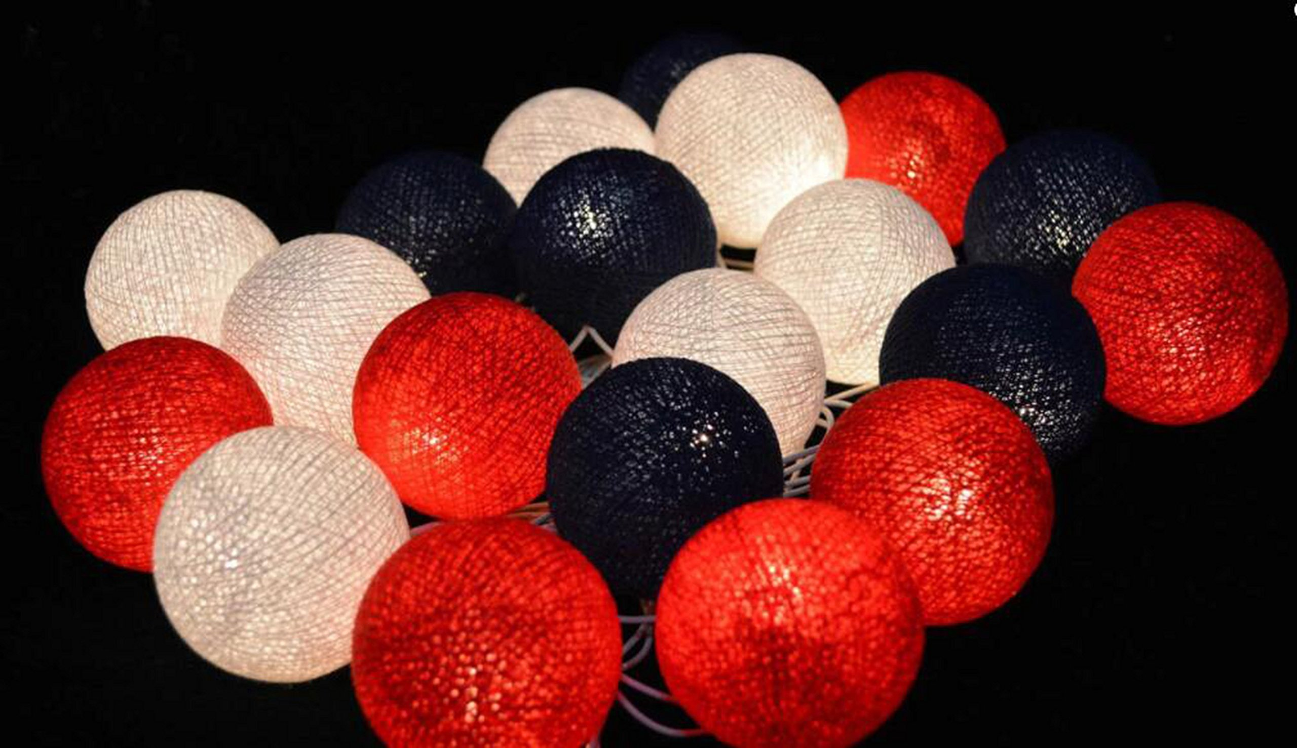 2.5m 20 LED Red Black White Cotton Balls String Lights Battery Operated Christmas LED Garland Party Decorative Lamp for Girl Birthday Party Baby Shower Decoration Holiday Party Kids Room Decoration
