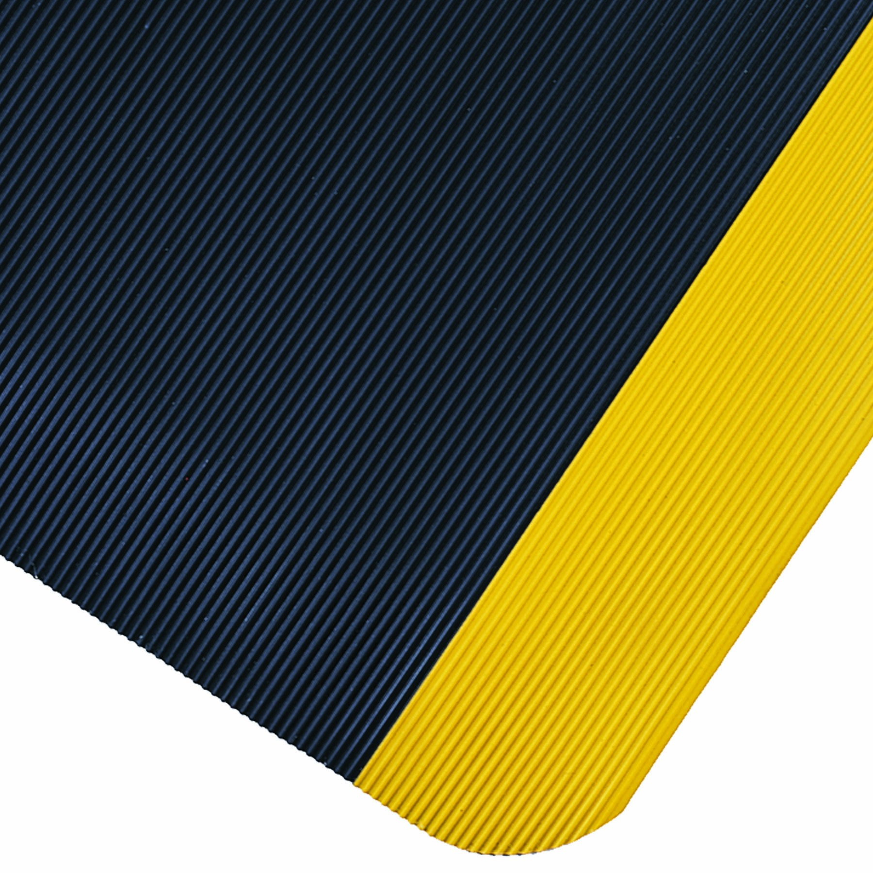Wearwell PVC 431 SpongeCote Medium Duty Anti-Fatigue Beveled Mat, Corrugated, for Dry Areas, 3' Width x 5' Length x 7/8'' Thickness, Black/Yellow