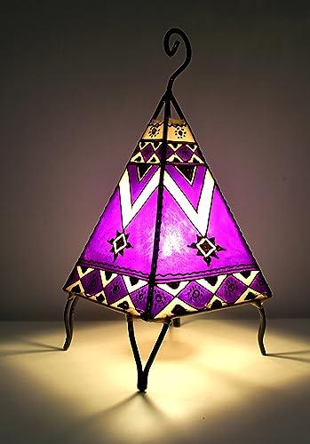 Lámpara de mesa marroquí de Henna forma pirámide de color púrpura ...