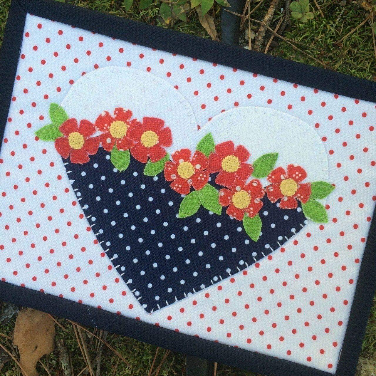 Juego de tapete con diseño de corazón y flor, para coser: Amazon ...
