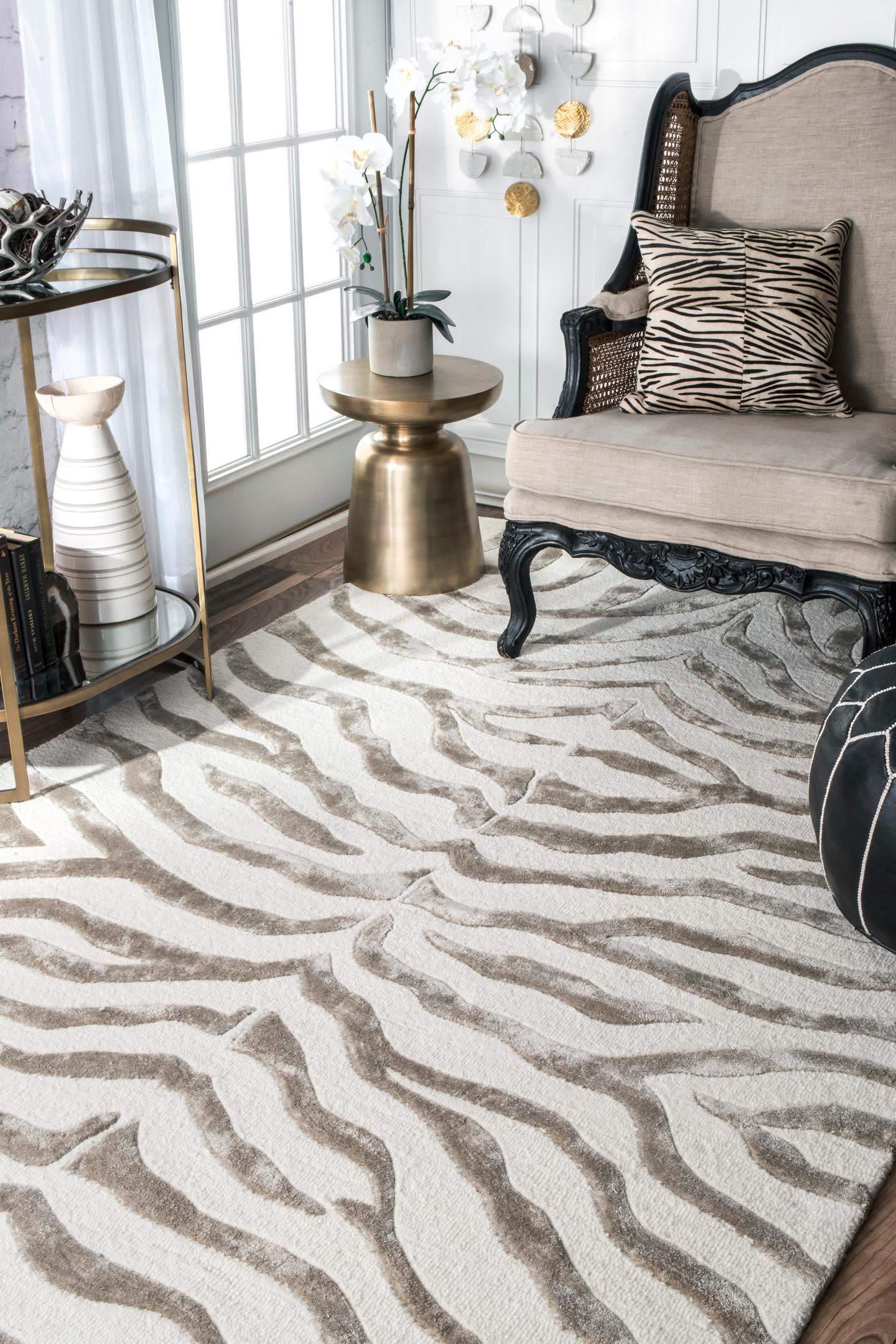 nuLOOM Zebra Hand Tufted Plush Wool Area Rug, 4' x 6', Grey