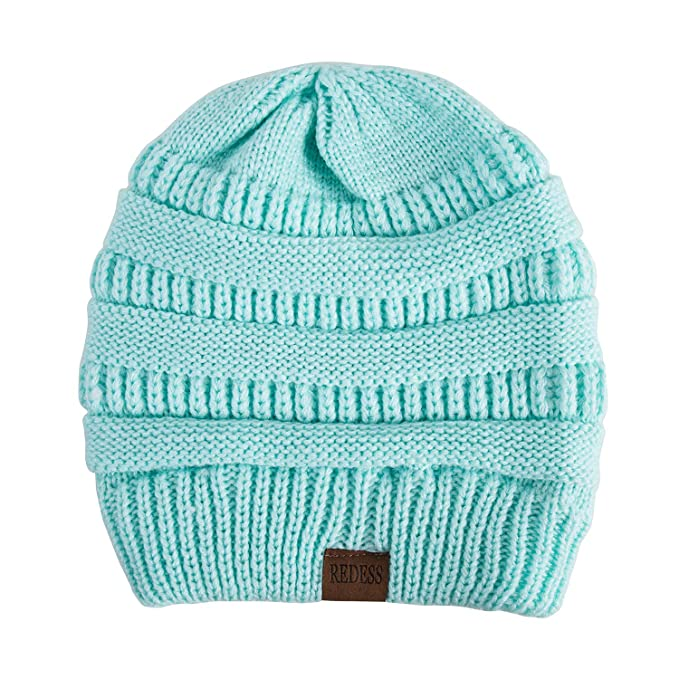 0920deb9850 Amazon.com  REDESS Slouchy Beanie Hat for Men and Women 2 Pack Winter Warm  Chunky Soft Oversized Cable Knit Cap (Two Pack Black   Blue)  Clothing