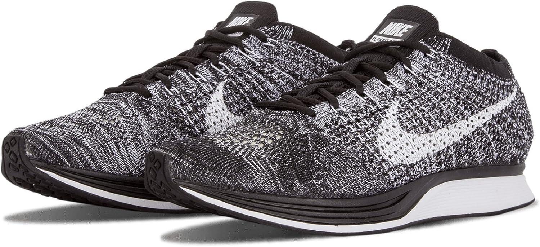 interior yo mismo Materialismo  Amazon.com: Nike Unisex Flyknit Racer Running Shoe: NIKE: Shoes