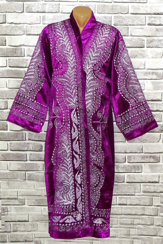 STUNNING UZBEK SILVER SILK EMBROIDERED ROBE CHAPAN FROM BUKHARA A8387