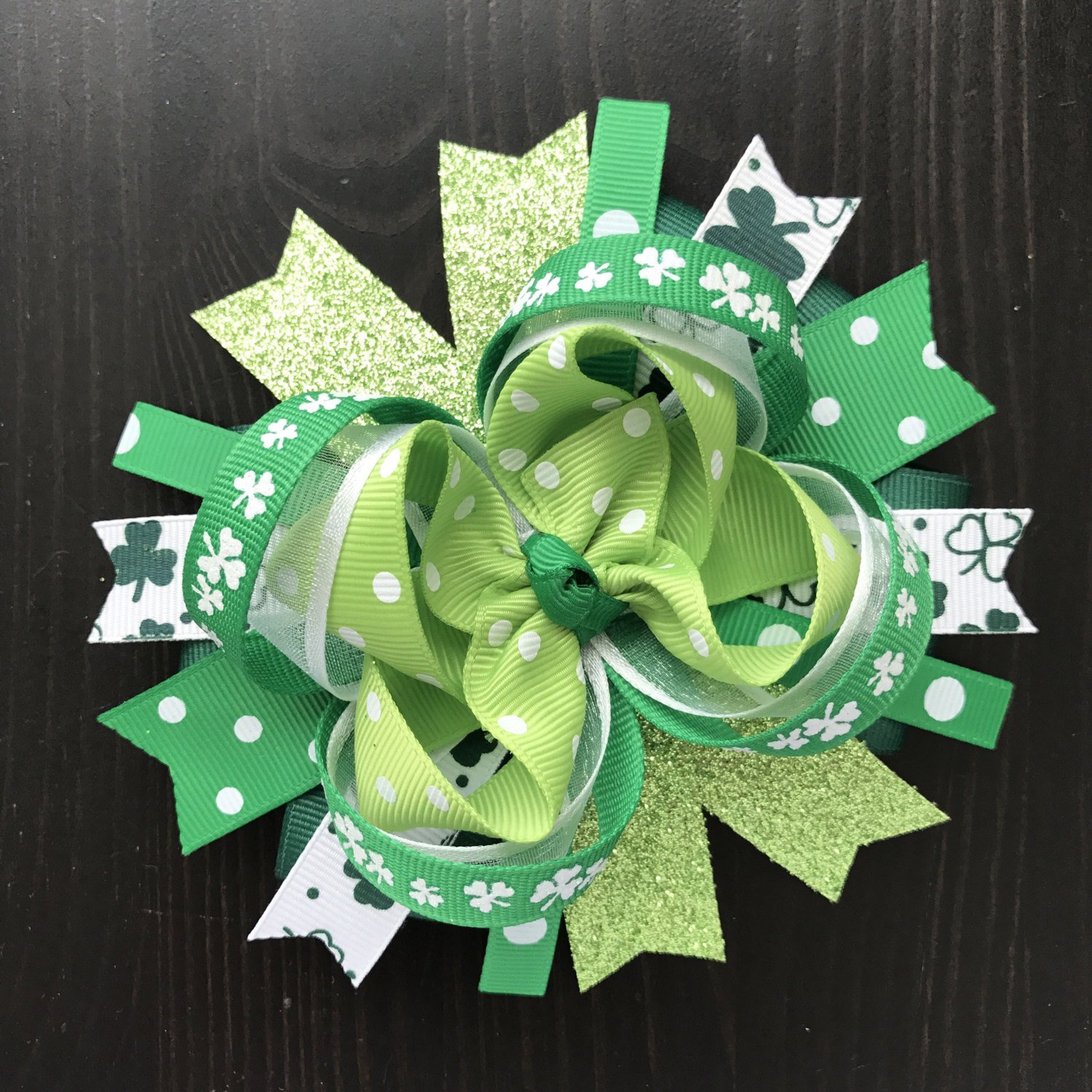 """Green /& White St Patrick/'s Day Shamrock Feather Hair Bow 5/"""""""