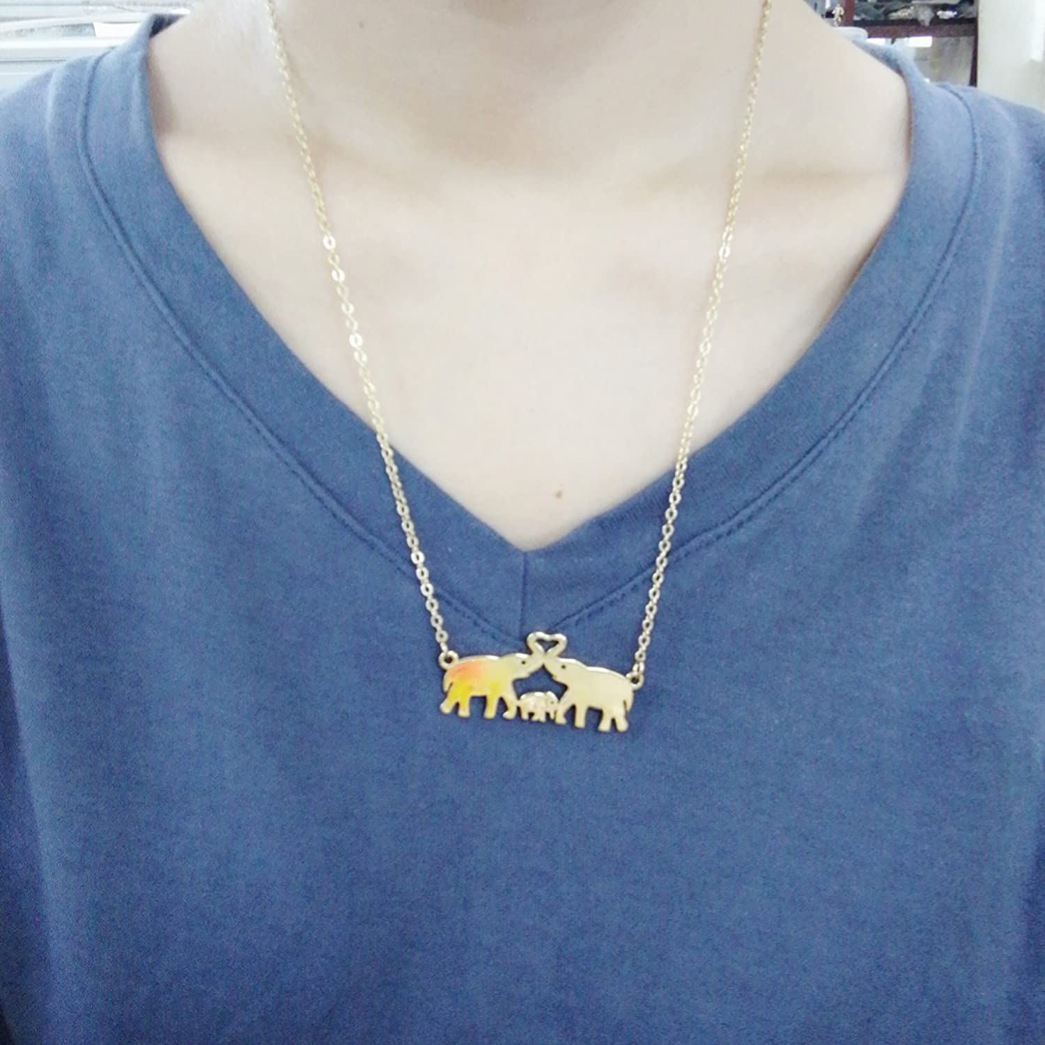NOUMANDA Cute Elephant Family Necklace Elephant Mom Dad and Child Love Forever Pendant Gifts