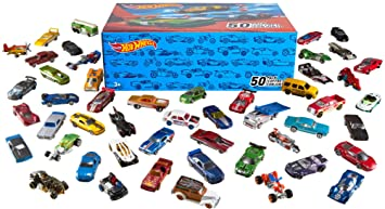 Hot Wheels V6697 50 Diecast Car Pack y Mini Toy Cars