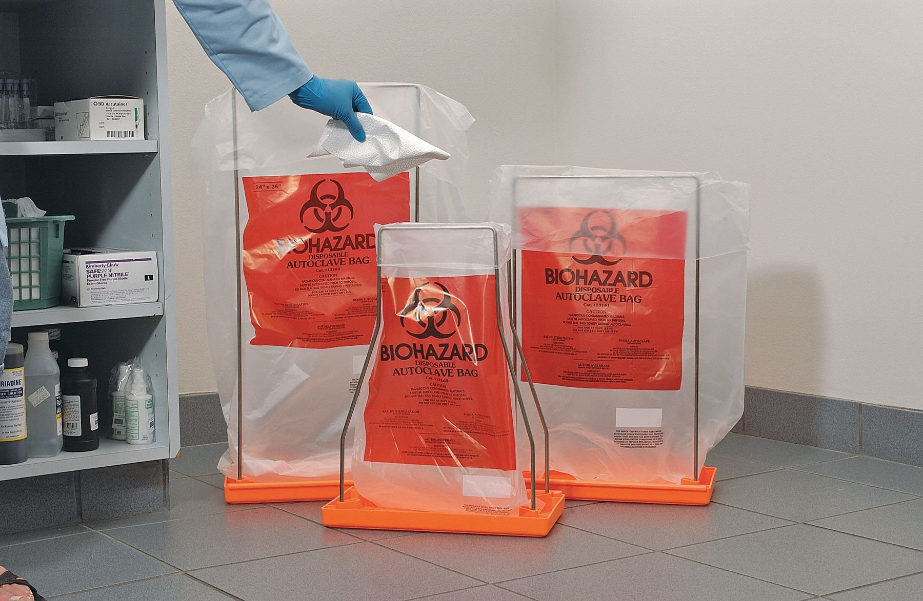 7 to 10 gal. Red Autoclavable Biohazard Bag, Super Heavy Strength Rating, Flat Pack, 200 PK