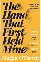 The Hand That First Held Mine (English Edition) eBook Kindle