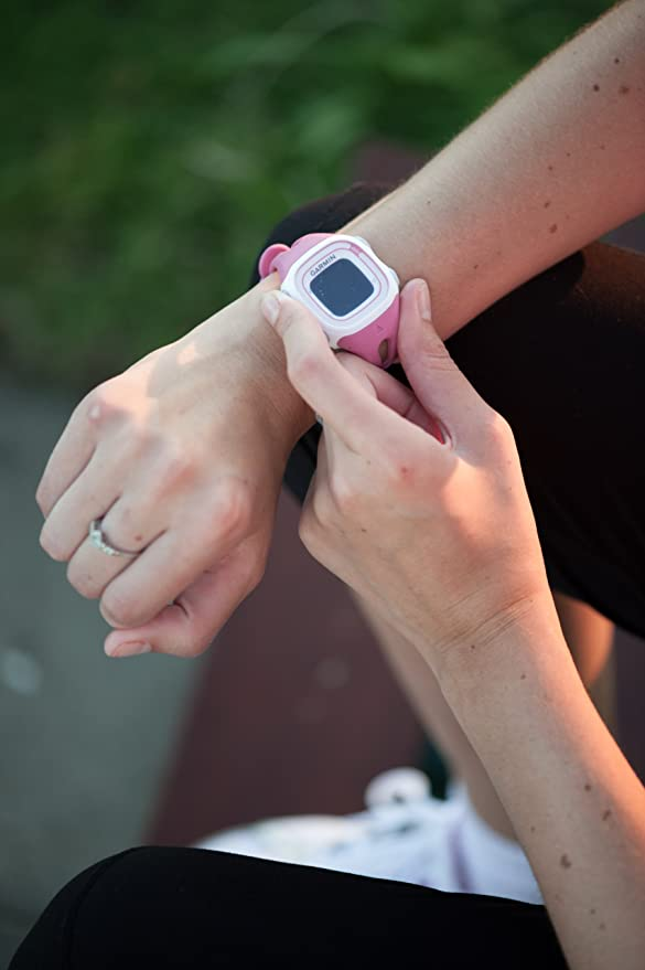 Amazon.com: Garmin 010-01039-05 Garmin Forerunner 10 White/Pink Europe Version: Cell Phones & Accessories
