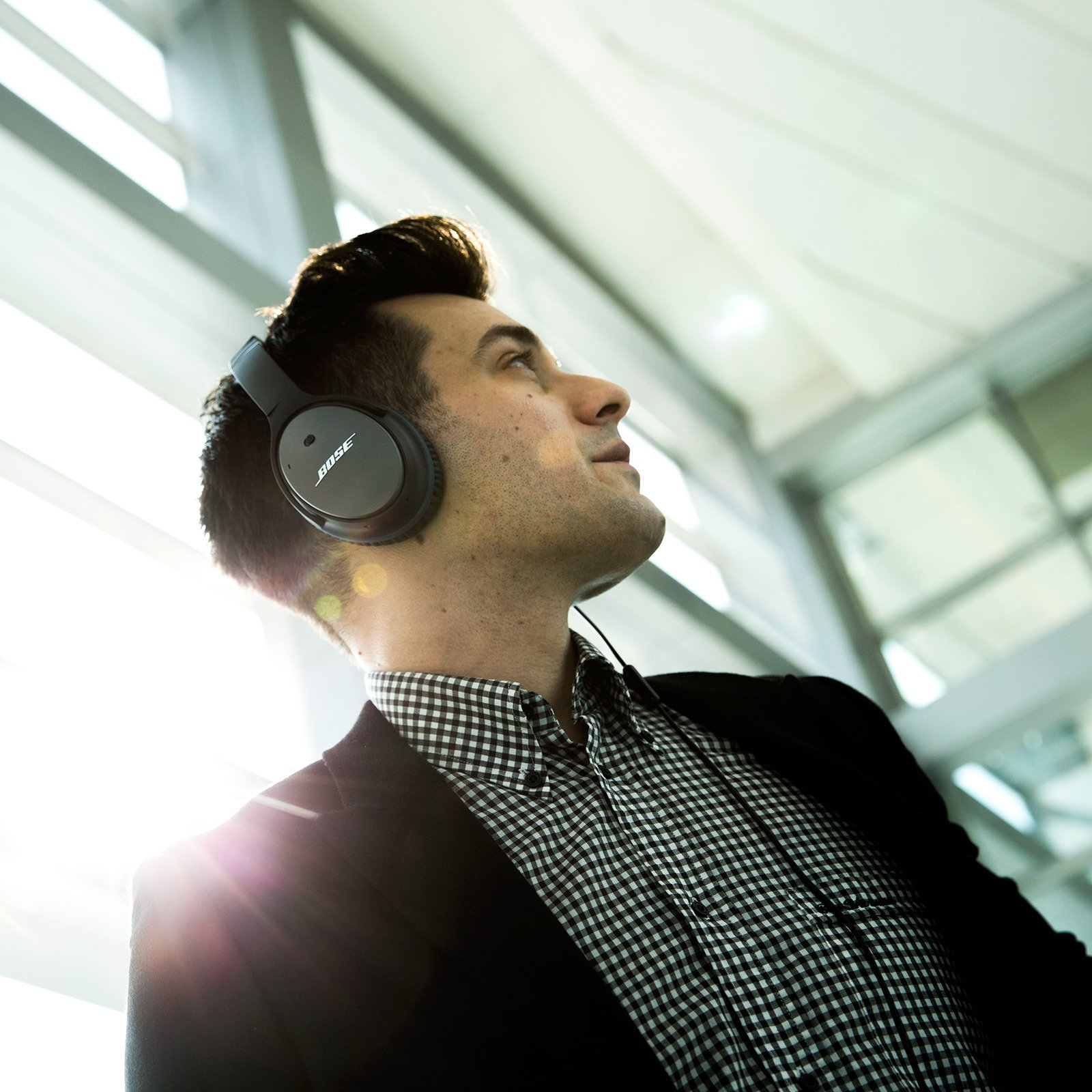 Bose QuietComfort 25 Acoustic Noise Cancelling Headphones for Apple devices - Black (wired, 3.5mm) by Bose (Image #8)