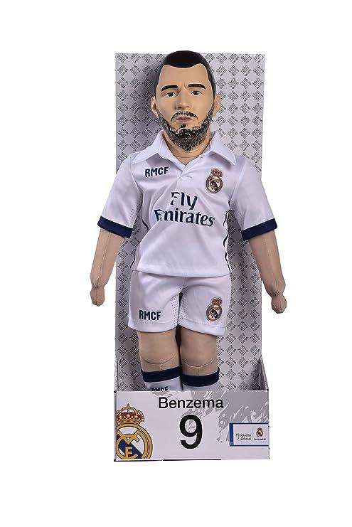 487c21d9af54d Real Madrid CF - Muñeco Benzema  Amazon.es  Juguetes y juegos