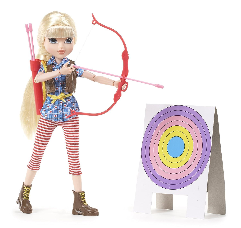 amazon com moxie girlz bow u0026 arrow doll avery toys u0026 games