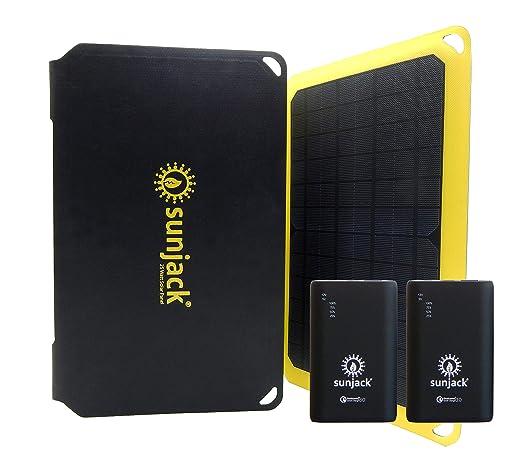Amazon.com: Cargador solar SunJack con carga rápida ...