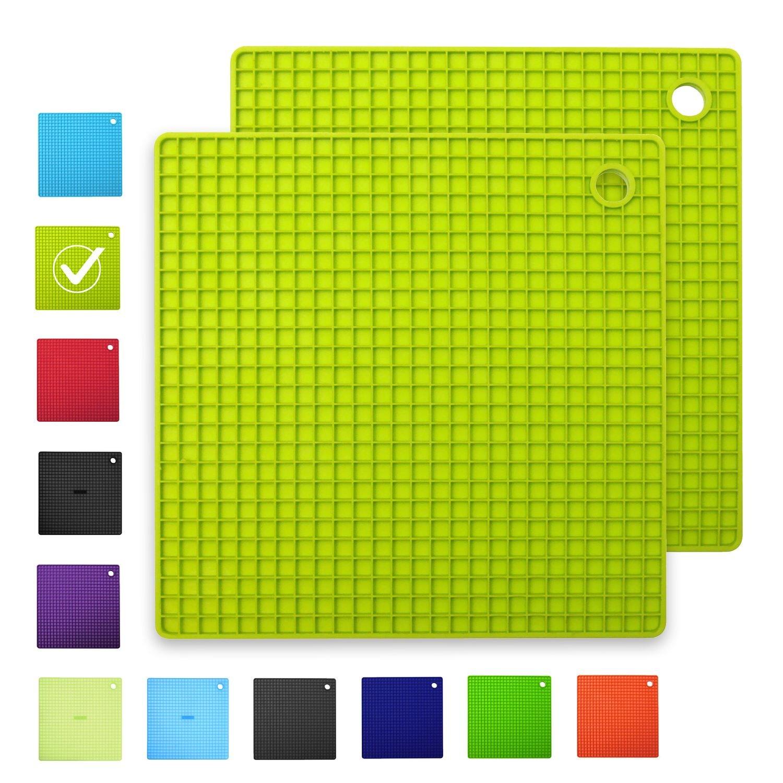 INNOKA [2-Pack Silicone Pot Holders Trivet Mats Heat Resistant to 482°F, Non-Slip, Insulation, Durable, Flextible Hot Pads [Square Shape] (7.3'' x 7.3''), Light Green