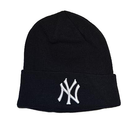 030949e9684125 Amazon.com : New York Yankees Blue Beanie Hat - MLB Cuffed Winter Knit Cap  : Ny Yankees Beanie : Clothing