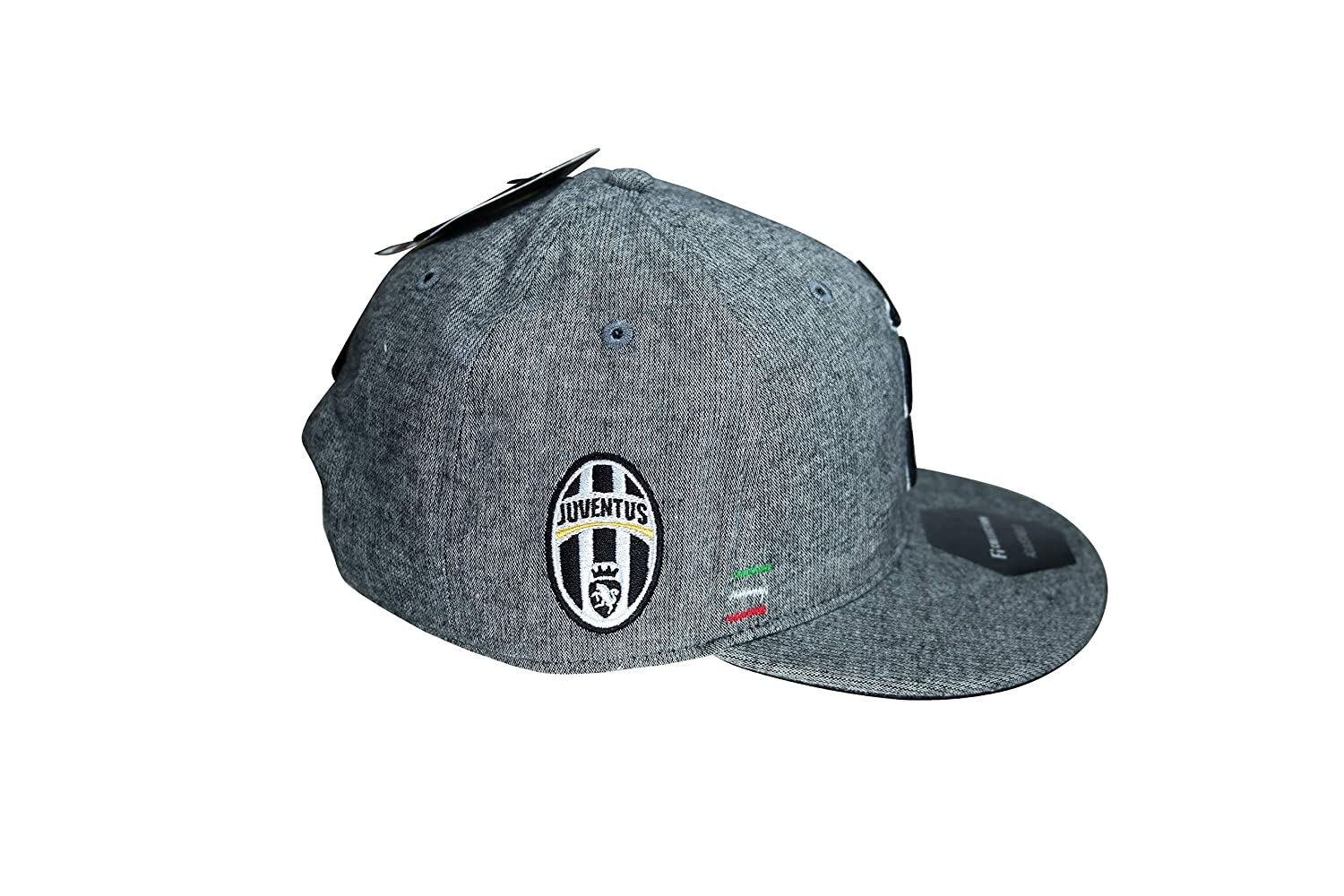 c211bf562f283 Amazon.com   Juventus F.C. Authentic Official Licensed Classic Soccer Cap  Hat - 1-2   Sports   Outdoors