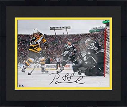 Framed David Pastrnak Boston Bruins Autographed 16 quot  x 20 quot  2019  Winter Classic Goal Photograph abfdd3780