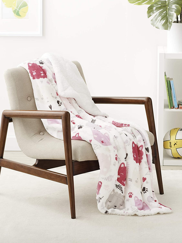 AmazonBasics Kids Ultra-Soft Micromink Sherpa Blanket - Throw, Pink Kitties