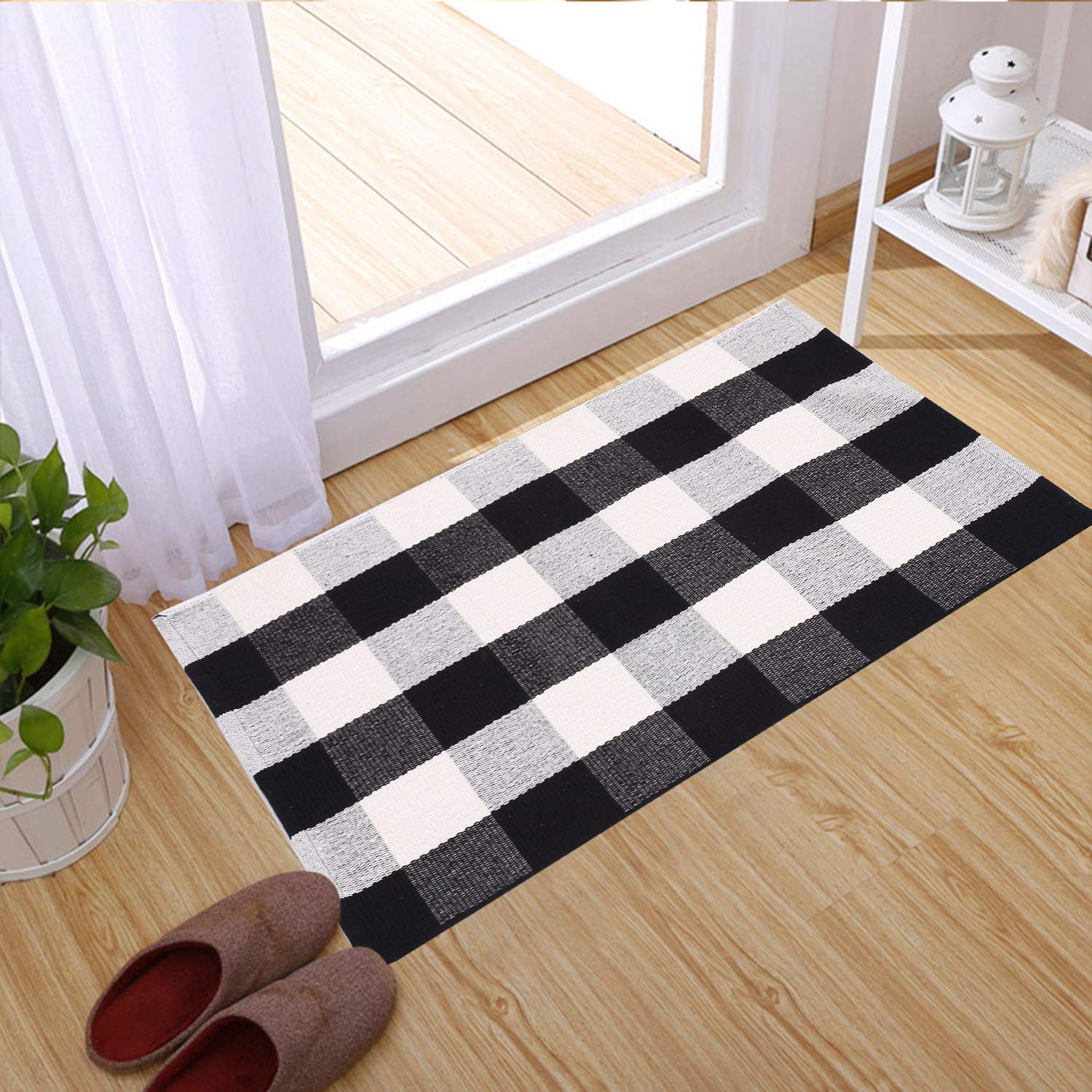USTIDE Black and White Plaid Rug Rag Rug Collection Hand Woven Floor Runner Rug Black and White Checkered Cotton Area Rug 23.6x51