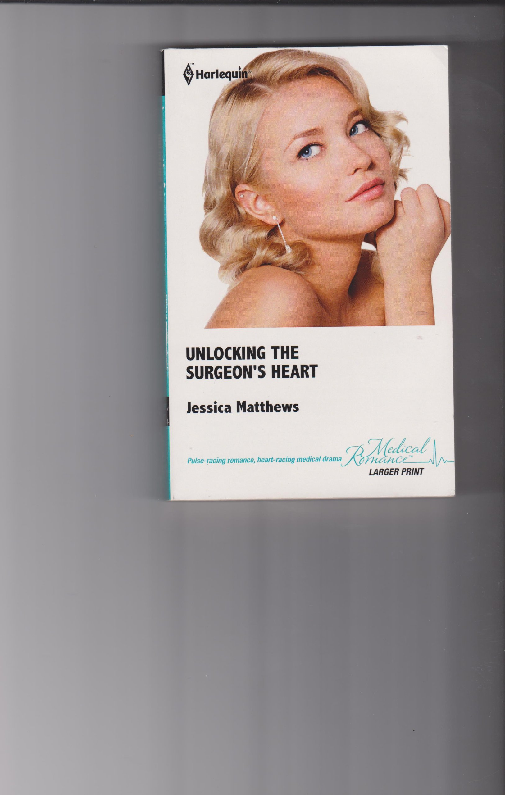 Download Unlocking the Surgeons Heart (Medical Romance Larger Print) pdf epub