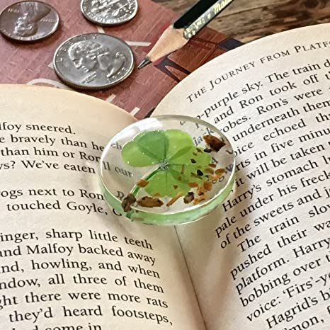Amazon.com: KIN-HEBI Real four leaf clover Good Luck Pocket Token ...