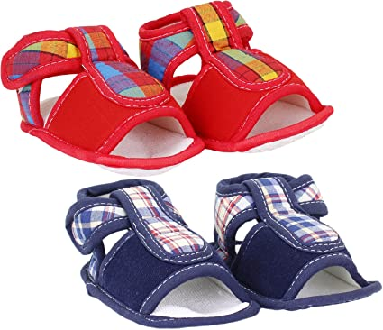 02b82839bde35 Neska Moda Pack Of 2 Baby Boys & Girls Blue and Red Checks Cotton Velcro  Booties For 0 To 12 Months-Anti Slip: Amazon.in: Clothing & Accessories