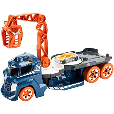 Hot Wheels Lights and Sounds Vehicle, Spinnin' Sound Crane: Toys & Games