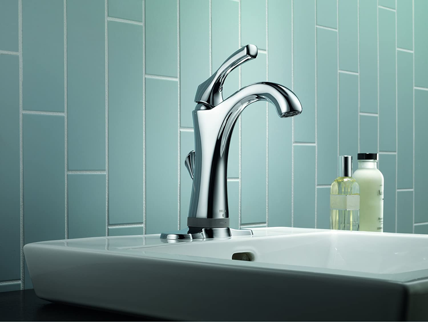 Delta 592T-DST Addison Single Handle Bathroom Faucet with Touch2O.xt ...
