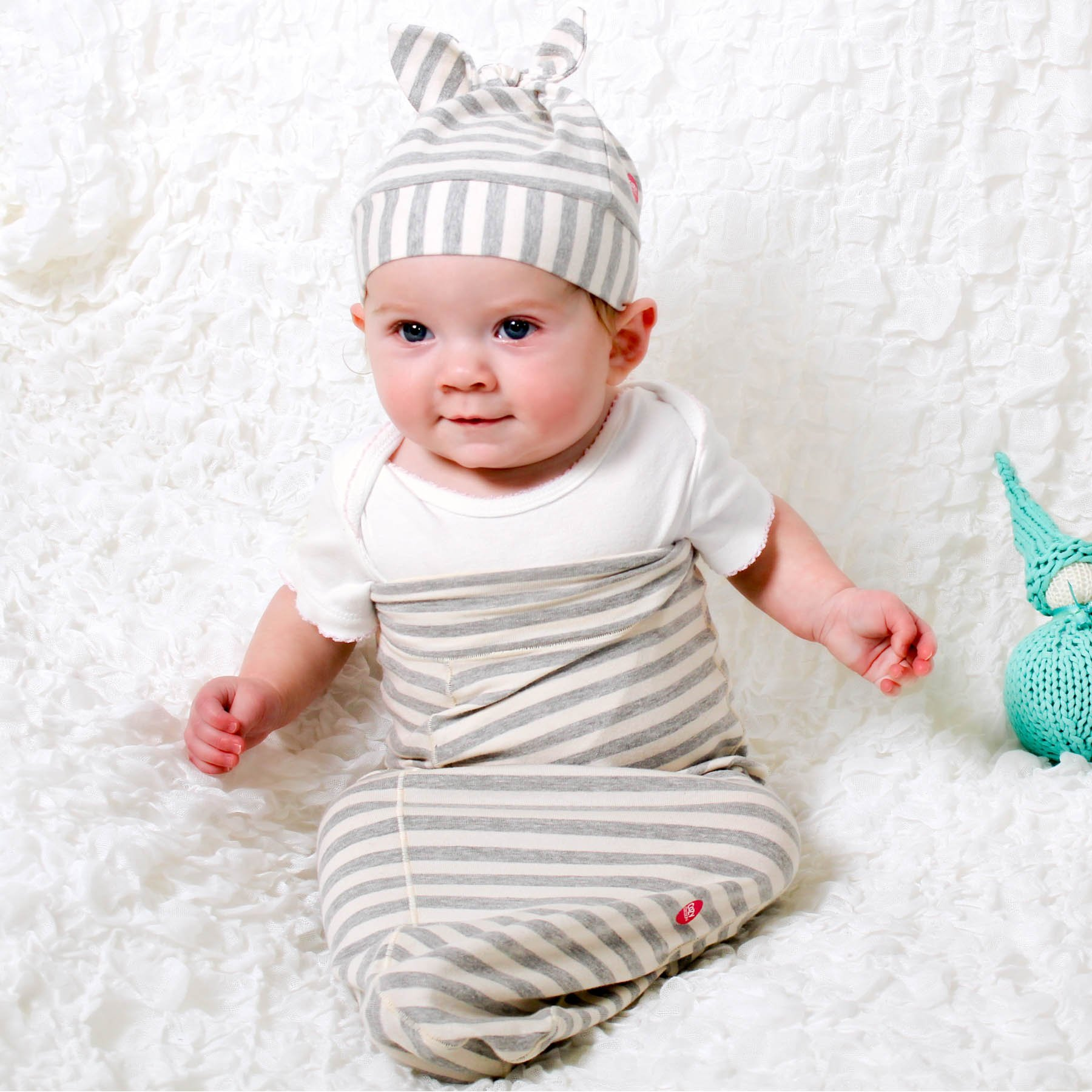 Cozy Cocoon Baby Cocoon Swaddle and Matching Hat, Gray Stripes, 0-3 months by Cozy Cocoon (Image #4)