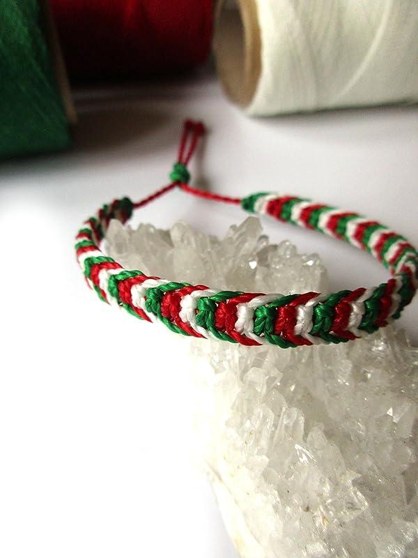 Bracelet br/ésilien//amiti/é//boh/ème//en fil Blanc Vert et Rouge Couleur Drapeau Italie//Italia tiss/é//tress/é main en macram/é avec du fil cir/é et ajustable R/éf.3PPItalie