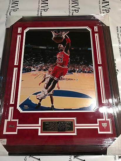 9b2334c80e591 Upper Deck Authentic Michael Jordan 25x32 Custom Framed Autograph ...