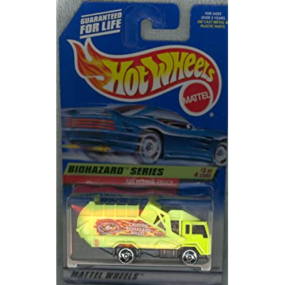 Hot Wheels Mattel 1998 1:64 Scale Biohazard Series #3 of 4 Yellow Recycling Truck Coll #719 Die Cast Car: Toys & Games