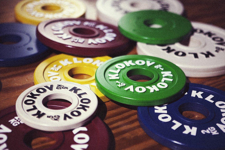 Strengthshop KLOKOV Hantelscheiben Set mit Gummiüberzug je 2X 0.5kg, 1kg, 1.5kg, 2kg, 2.5kg, 5kg farbig