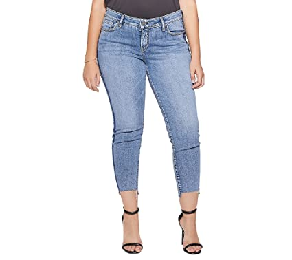 6e8b01d38ee2e Amazon.com  Silver Jeans Co. Women s Plus Size Aiko Mid Rise Ankle ...