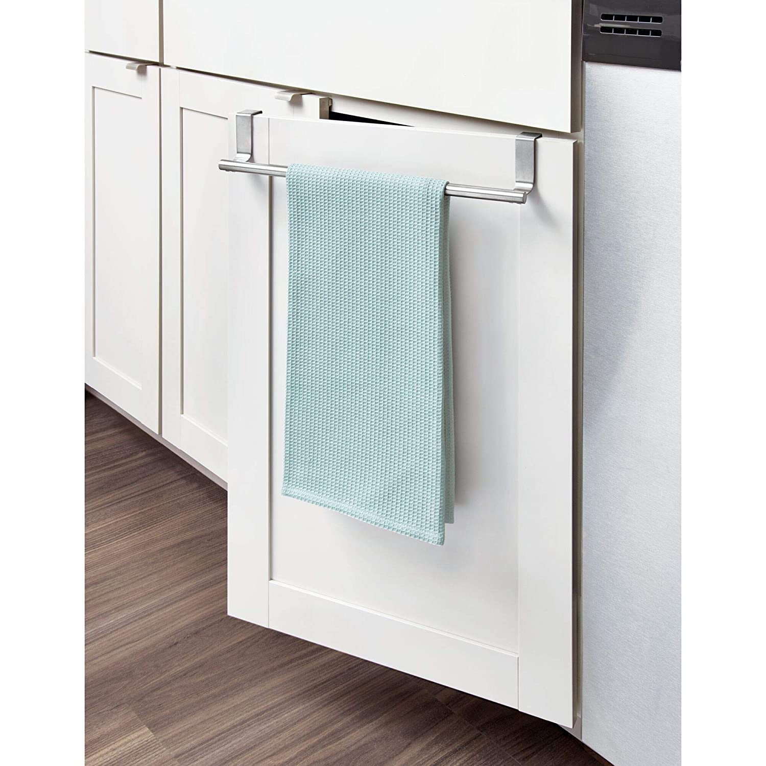 Amazon.com: InterDesign Forma Over-the-Cabinet barra ...