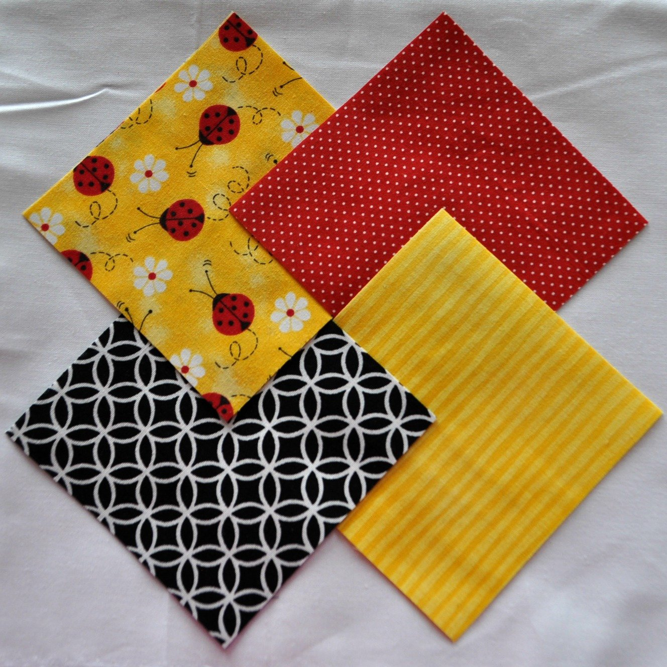 Ladybugs 4 Fabric Squares Charm Pack 100% Cotton, 40 Pieces Mixed manufacturers