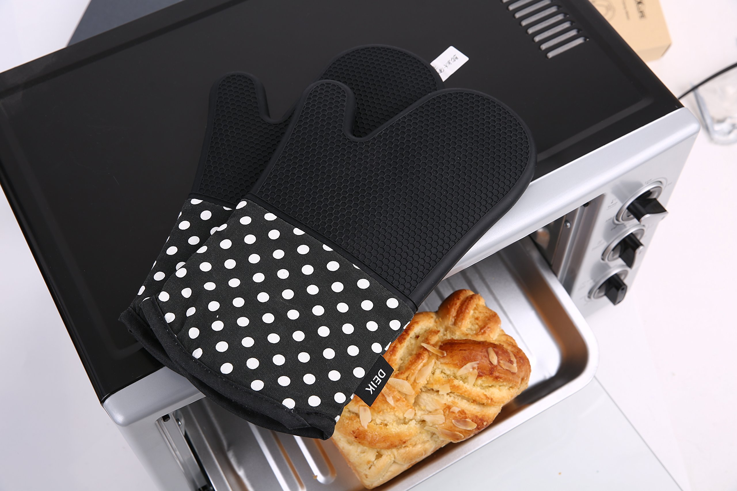 Deik Oven Mitts, Non-Slip Silicone Oven Mitts, Extra Long Kitchen Mitts, Heat Resistant to 572°F Kitchen Oven Gloves, 1 Pair, Black by Deik