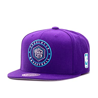 Mitchell   Ness Charlotte Hornets Circle Patch Team Snapback Cappello cf52e6d4b949