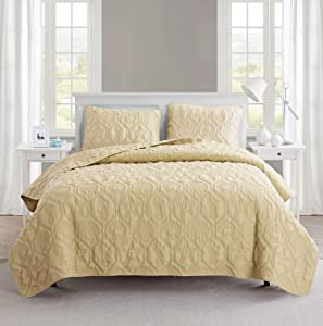 VCNY Home   Shore Collection   Soft, Lightweight, Comfortable Quilt Bedspread, Durable and Wrinkle Free Microfiber 3 Piece Bedding Set, Queen, Tan