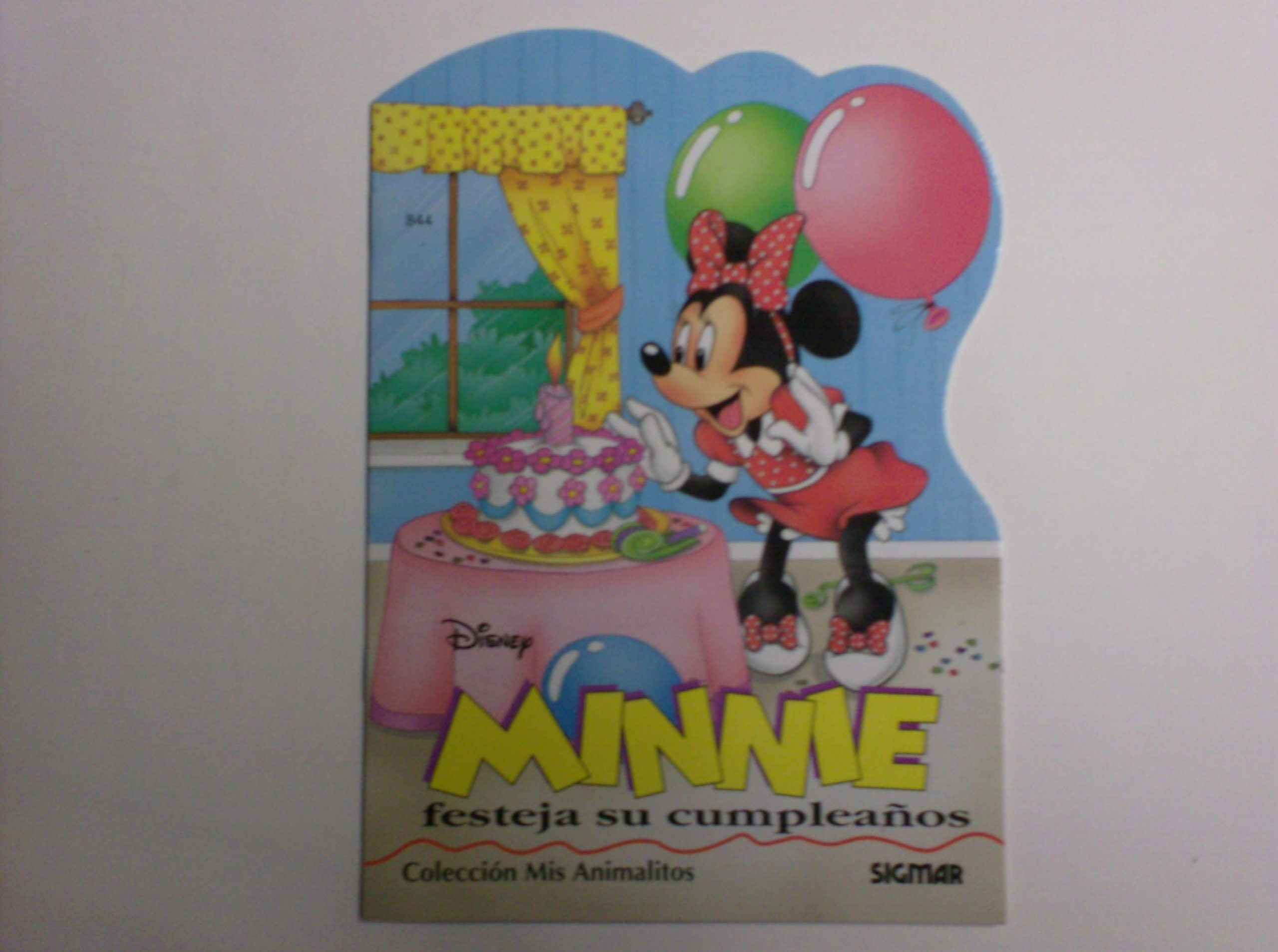 Minnie festeja su cumpleanos/ Minnie celebrates her birthday ...
